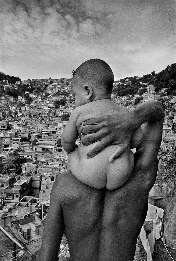André Cypriano - Father and son - Rio de Janeiro