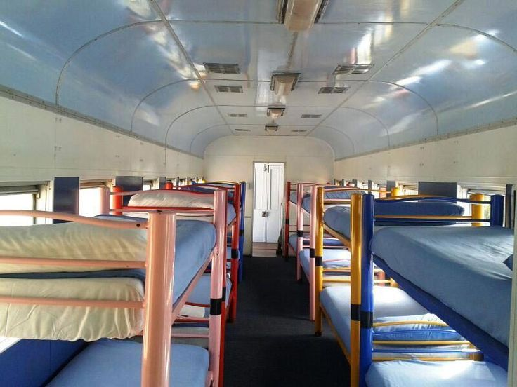 Sembra un normale treno, ma è un hotel a 30 metri dal mare | Spiaggia.Piksun.com