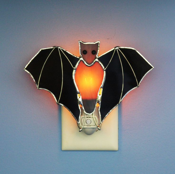 Stained Glass Black Bat Light Sensor Night Light by stainedglassturtle on Etsy https://www.etsy.com/listing/154767326/stained-glass-black-bat-light-sensor