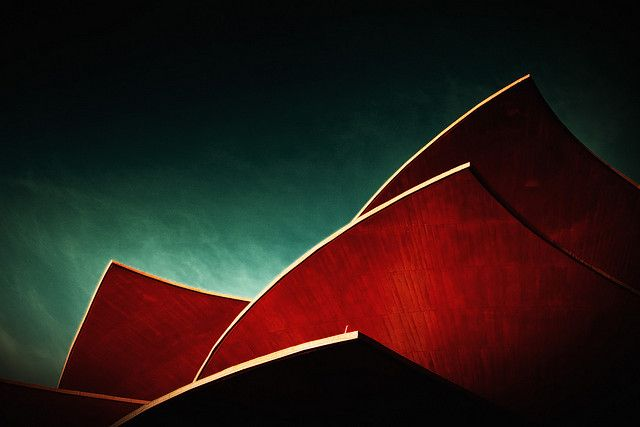 Red roof / fake color / Andreas Levers / (CC BY)