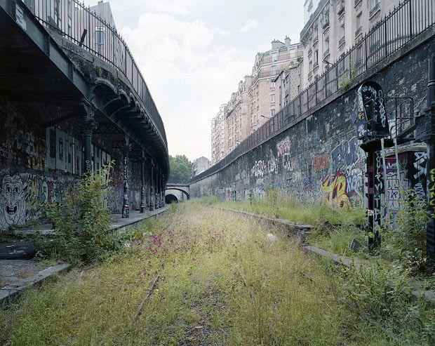 Pierre-Folk_By-the-silent-line_01