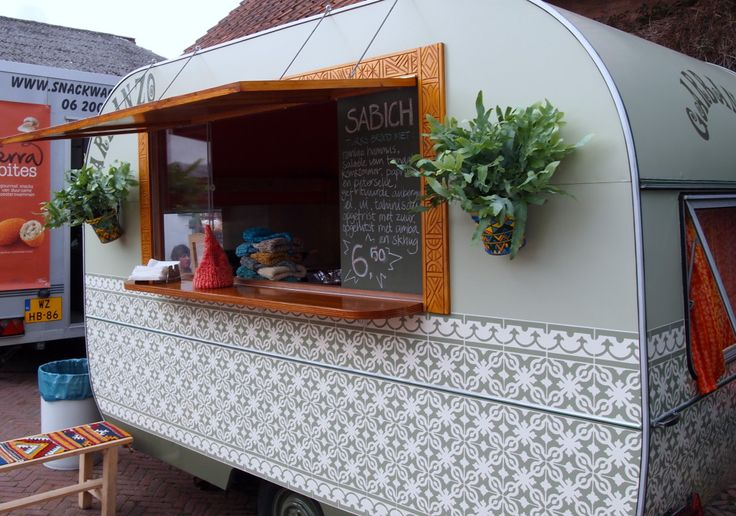 Brainstorming my trailer's exterior paint job. Love the mix of pattern and solid here (never mind that killer bar).