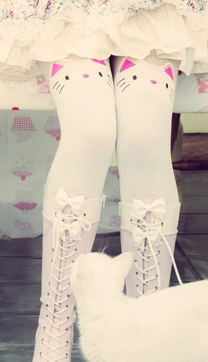 Cute Japanese fashion oh so kawaii white kitty tights perfect for the Spring/Summer seasons. With cute tail motif at reverse  these tights are even more kawaii than ever.  Shop now at Cutesykink