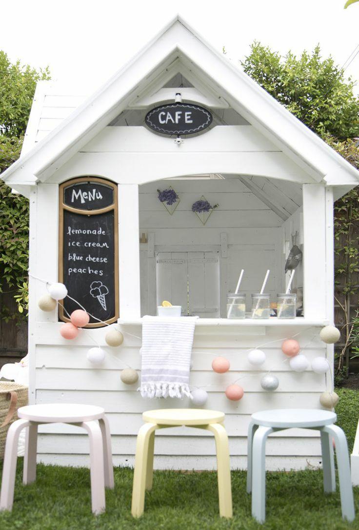 cabane de jardin enfant avec bar et jeux en plein air