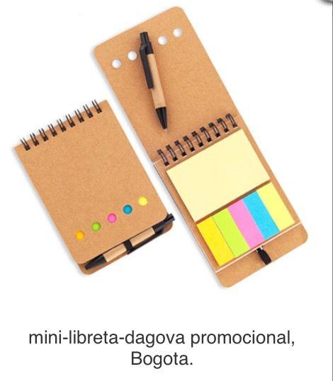 Mini Libreta y Bolígrafo en Cartón, con Set de Adhesivo. Producto Ecológico. Tipo de Producto: IMPORTADO Medidas: 8.3 cm x 12.4 cm. Área de Marca: 5 cm  Técnica de Marca: Tampografía. Colores Disponibles: Natural.