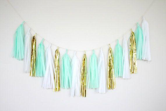 Borla de oro y verde menta Garland decoración por BlushBazaar