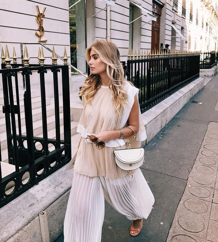 Best 25 Chloe Nile Bag Ideas On Pinterest Midi Hems Style Paris Fashion Weeks And Paris Fashion