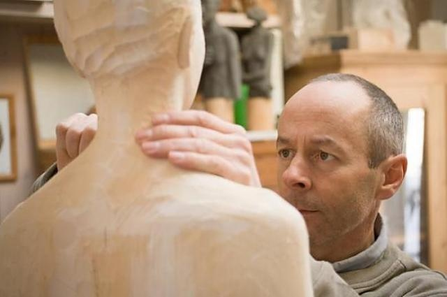 Bruno Walpoth is artist which makes incredible human sculptures from wood.: Woodcarving Ideas, Living Artists, Favorite Artists, Artists Studios, Sculpture Artists, Bruno Walpoth, Woods Sculptor, Human Sculpture, Artists Create