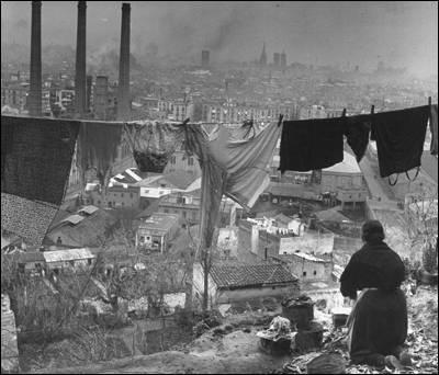 Bombardeo Barcelona 1936, pero la vida cotidiana sigue...