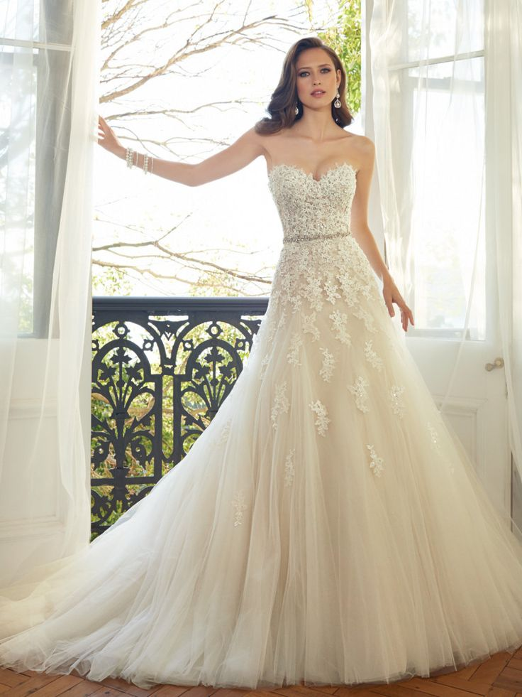 69 best Bridal Gowns images on Pinterest | Short wedding gowns ...