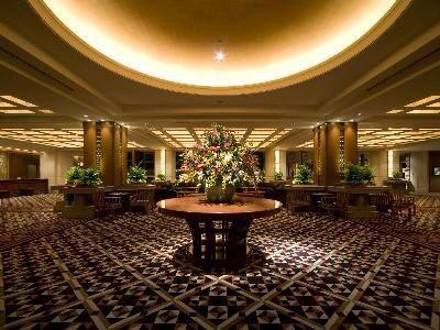 帝国ホテル大阪 ご宿泊のお客様をお迎えする2階フロントロビー