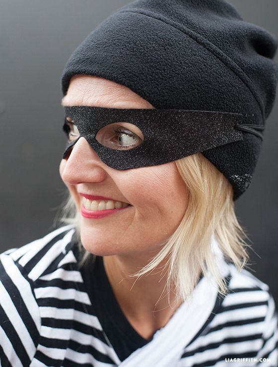 Best 25+ Robber Costume Ideas On Pinterest | Bank Robber Party Costume Easy Diy Costumes And ...