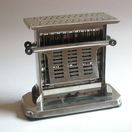 I want a vintage toaster! Seriously!