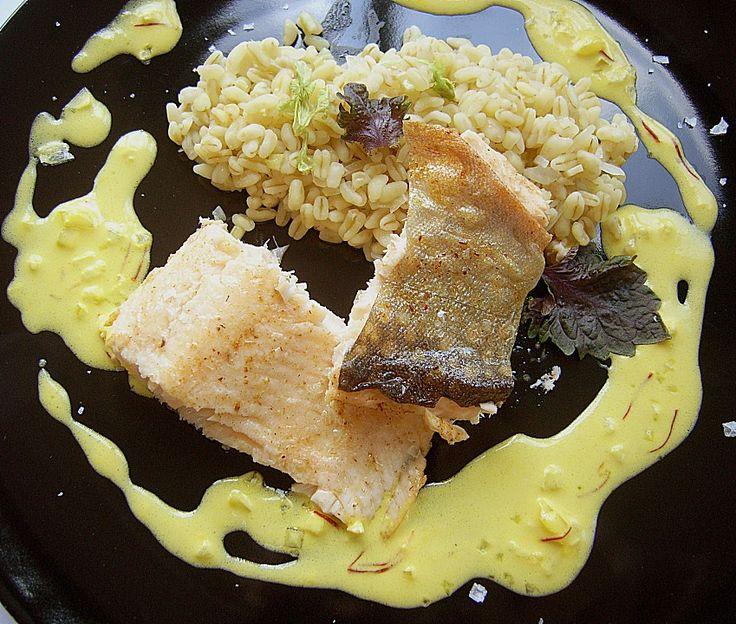 Auf der Haut gebratenes Saiblingsfilet mit Stangensellerie - Zartweizen - Risotto und Safran - Limetten - Sauce, ein schmackhaftes Rezept aus der Kategorie Fisch. Bewertungen: 10. Durchschnitt: Ø 4,5.
