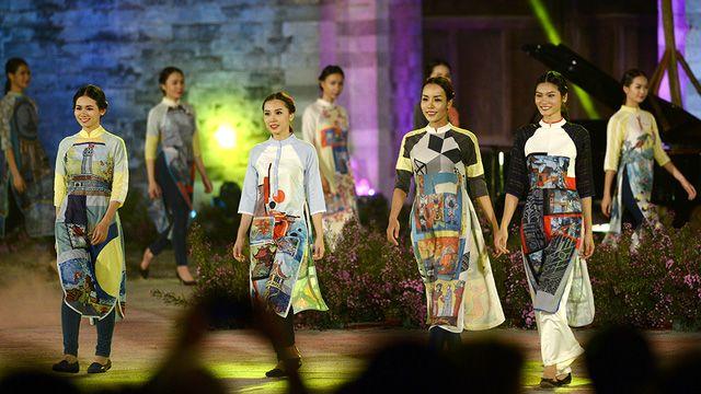 NTK đến từ Thừa Thiên - Huế Xuân Hảo mang đến BST lấy cảm hứng từ vẻ đẹp của Con đường gốm sứ Hà Nội.