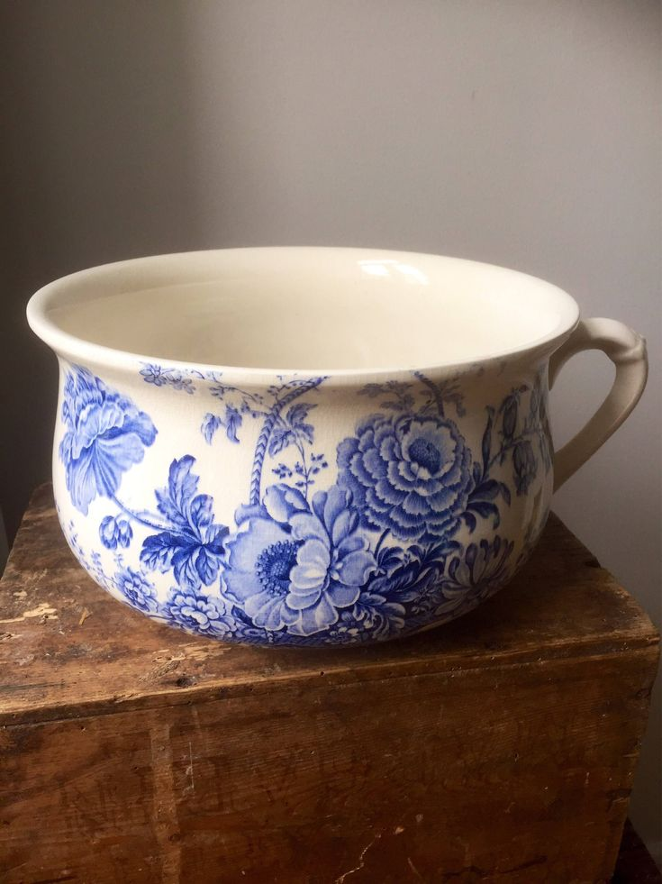 Victorian/Crown Devon/chamber pot/planter/blue and white/replica/1960s / Fieldings Staffordshire by WifinpoofVintage on Etsy