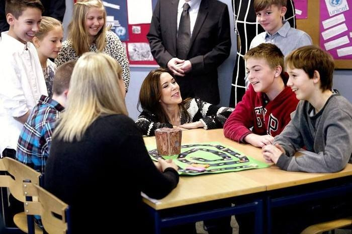 Crown Princess Mary visited a school in Kastrup to celebrate the 25th anniversary of the UN children convention