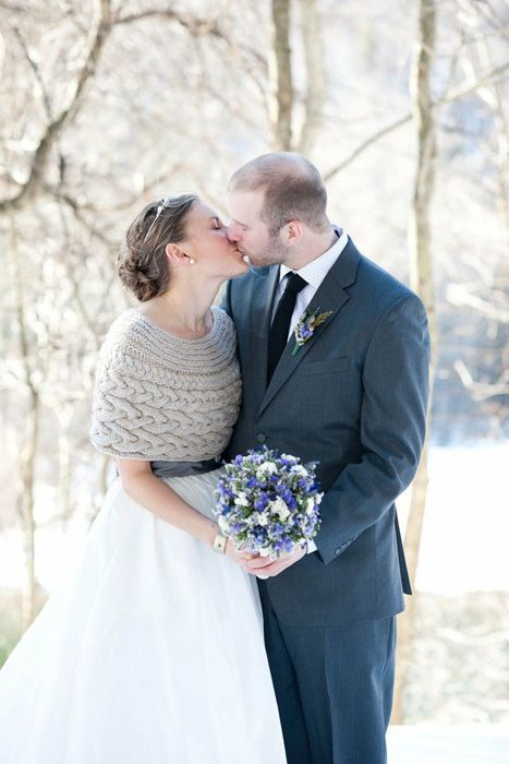 A beautiful knit capelet for a winter wedding