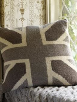 Knitting Pattern Union Jack Cushion Cover : 1000+ images about Knitted cushion covers on Pinterest