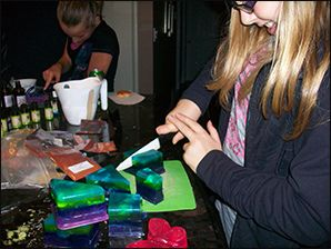 Soap workshop - Visit the Creativ Festival with Maple Leaf Tours