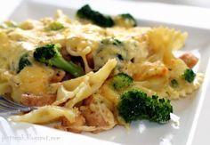 Makaronowa zapiekanka z kurczakiem i brokułami