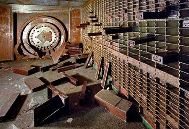Die US-Goldreserven in der FED sind weg. Bald fordern Russland und China Beweise für die Existenz der angekündigten 8100 Tonnen. Der US-Experte Steven Quayle kommentierte in einem Interview, dass d…