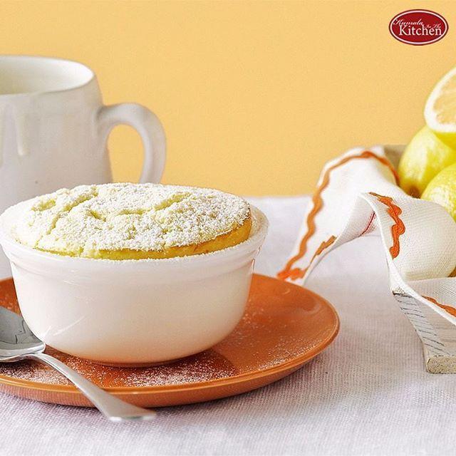 Puding merupakan makanan penutup yang populer. Selain lezat, puding termasuk makanan yang sehat dan mudah dibuat. Puding pun memiliki banyak kreasi yang spesial dan menggoda. Salah satu kreasi puding yang wajib anda coba buat di rumah yaitu puding lemon.  Sedang pengen makan desert yang enak dan mudah buatnya? Buat puding lemon ini aja.  Bahan A  700 ml susu cair 6 buah pasta vanilla 1 bungkus agar-agar bubuk 200 gram gula pasir 1 sendok teh jeli instan Bahan B  1 botol minuman lemon 1…