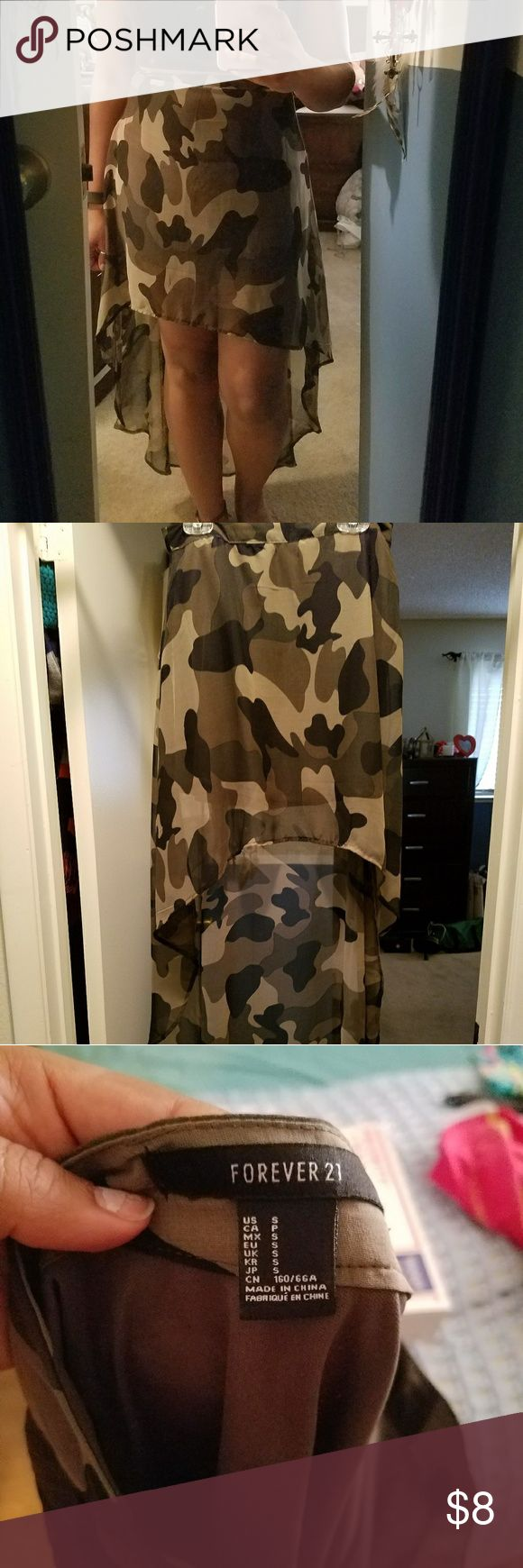 Camo high-low asymmetrical skirt Camo high-low asymmetrical skirt  The last photo is showing the short lining on the inside of the skirt. Forever 21 Skirts High Low