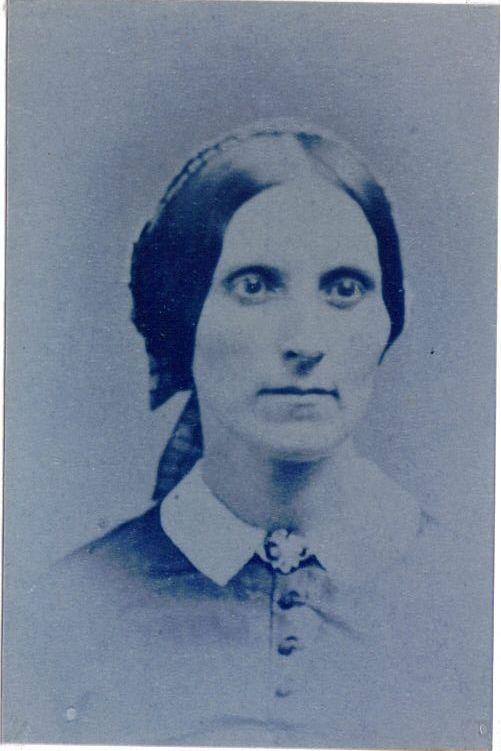 Sarah Alice Richardson (1827-68).  Very plain collar, fairly large brooch