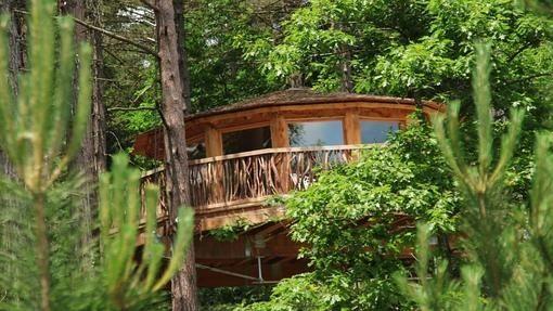 Zuhaitz Etxeak, las cabañas en los árboles. Cabaña Elaia.