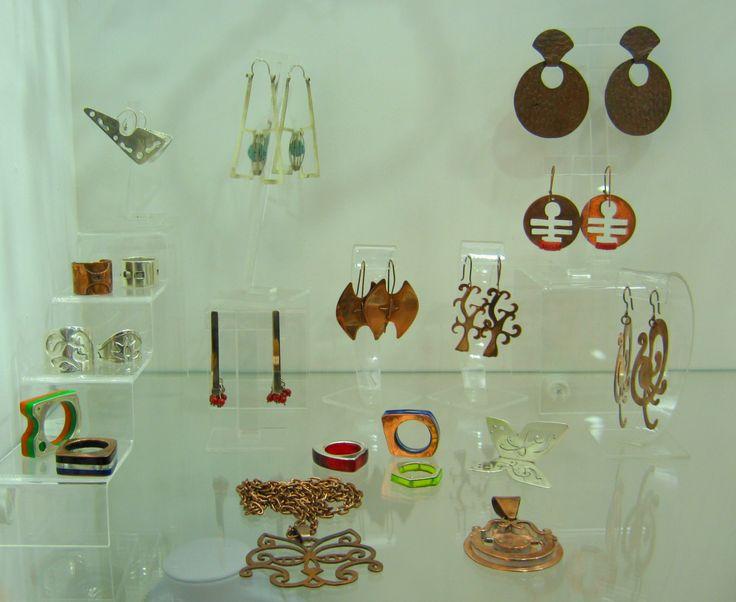 Exposición de las joyas de nuestros alumn@s #cursojoyeria #escuelajoyeria #joyeriacontemporanea
