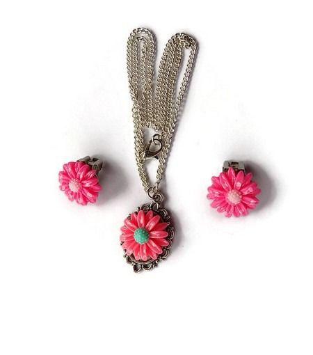 enfant parure collier pendentif et boucles d'oreilles clips marguerite rose : Bijoux enfants par mamiechantal-screations