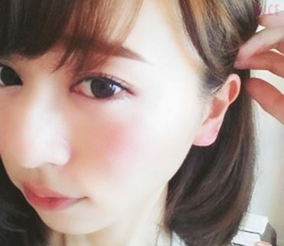 VOCE専属ブロガーの最旬美容「耳チークに夢中!」