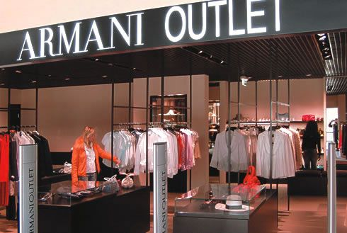 Armani-Outlet.jpg (490×329)