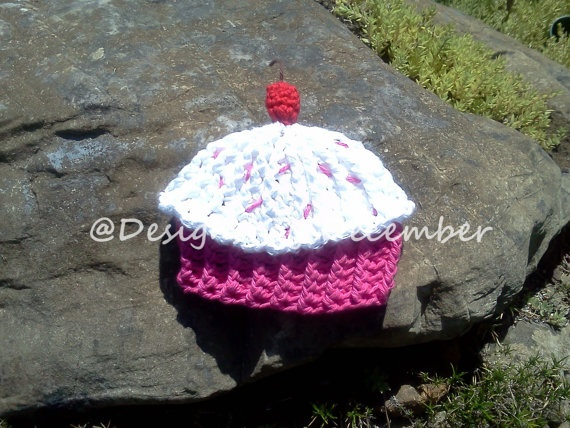 Crocheted Cotton Cupcake Hat Hot Pink with by DesignsbyDecember, $15.00: Cotton Cupcakes, Cupcakes Hats, Cupcakes Rosa-Choqu