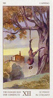 El significado de El Colgado en la tirada del Tarot representa que las cosas van a cambiar. ¿Para mejor? ¿A peor? No se sabe y tampoco se sabe si el cambio