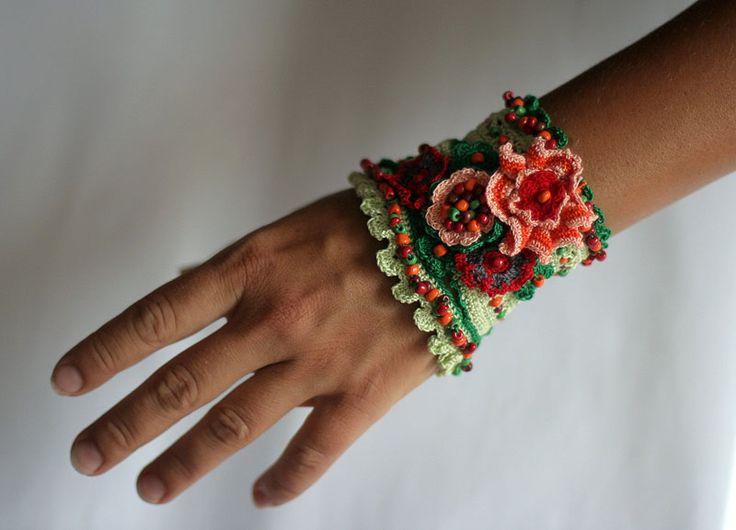 Вязаные браслеты Елизаветы Иордановой