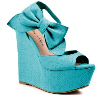 Turquoise and bows can be the perfect finishing touch.