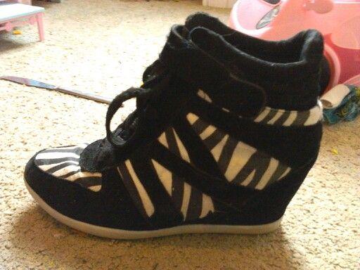 Zebra heeled shoes