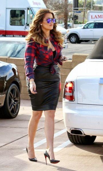 Look: Khloé Kardashian - Xadrez & Couro | Look moda, Looks, Ideias fashion