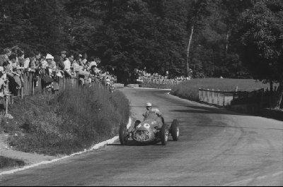 #40 Harry Schell (Usa) - Maserati Plate 4CLT (Maserati Plate 4) engine (18) Enrico Plate