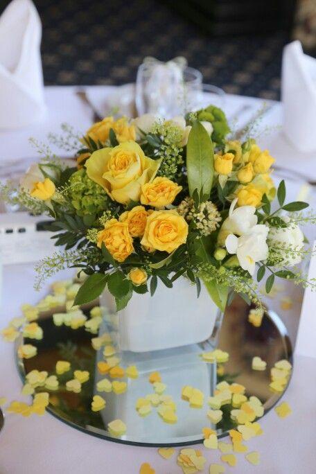 Yellow rose centrepiece