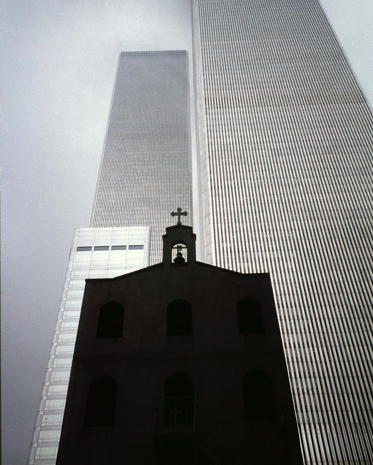 In memory of the fallen @guidofua #twintowers #september11th #newyork #ny #11settembre2001 #worldhaschanged