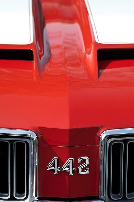 1970 Oldsmobile 442 Hood Emblem