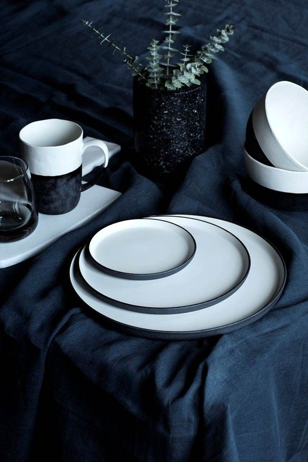 Loving the new Esrum range from Broste Copenhagen, in hand glazed stoneware with a contrasting mix of matte dark taupe and shiny ivory white. In stores in November, and I'm already looking forward to