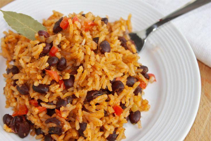 Tout le monde aime les recettes délicieuses et faciles à faire, celles du genre où on ne passe pas la soirée à préparer son lunch du lendemain! En voici une, qui est en fait un souvenir de vacances à Cuba, que j'ai mangée au moins un millier de fois! :)