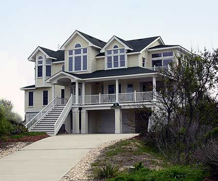 1000 images about beautiful homes on pinterest for Beach house designs with wrap around porch