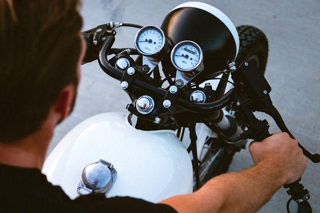 The Iceberg - Civil Custom Honda CB750 Cafe Racer via returnofthecaferacers.com
