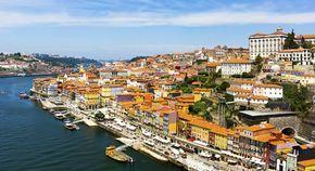 City Guide: Découvrez Porto! | Via Cosmopolitan France| 5/10/2105 Direction le Portugal en express ! Ruelles authentiques, plages romantiques et bars survoltés toute la nuit... La ville portugaise se trendifie à vitesse grand V. #Portugal