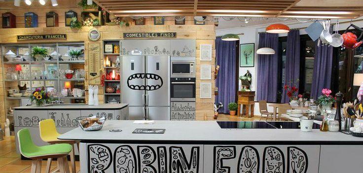 Divertida, desenfadada y muy muy particular, así es la cocina del Robin Food de la tele vasca ETB2. El mobiliario pertenece al modelo XP de la firma LOGOS al que como veis ¡se le puede sacar mucho partido! #mobiliario #cocina #robinfood #kitchen